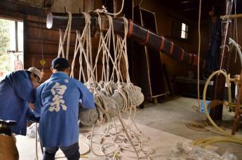 고대 방식 그대로 수작업으로 만든 일본술 시라이토 주조…